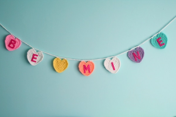 Conversation Heart Garland - Easy Crochet Valentine's Day Free Patterns for Beginners