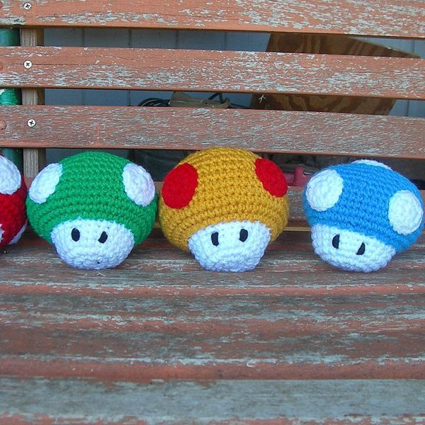 Mario Brothers Mushrooms - Easy Crochet Patterns for Beginners