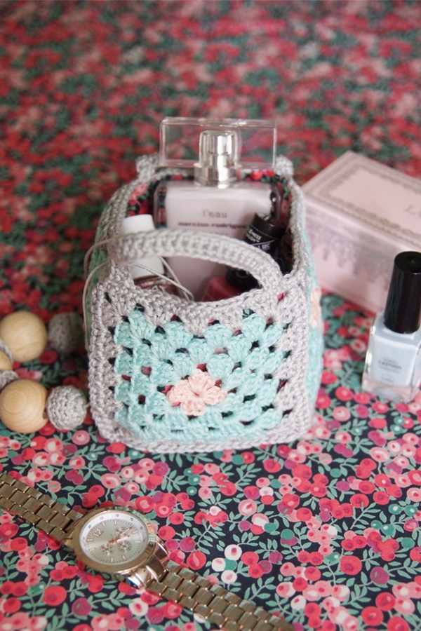 Mini Granny Square Baskets - Easy Crochet Granny Square Free Patterns for Beginners