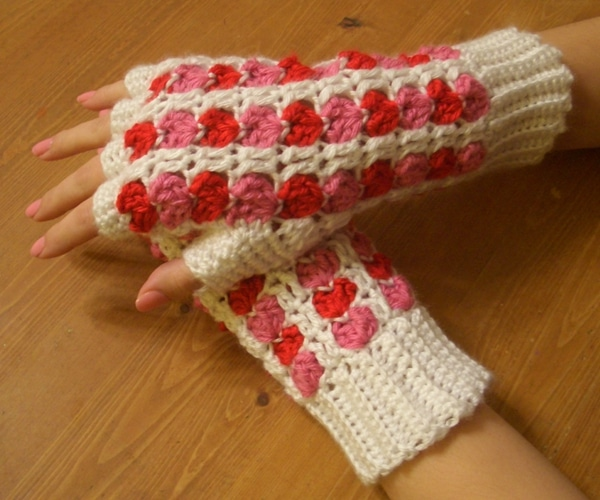 Scrap Heart Fingerless Gloves - Easy Crochet Valentine's Day Free Patterns for Beginners