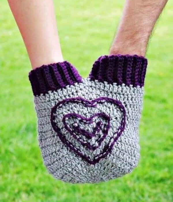 The Smitten Mitten - Easy Crochet Valentine's Day Free Patterns for Beginners