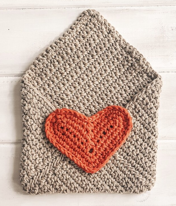 Valentine Envelope - Easy Crochet Valentine's Day Free Patterns for Beginners