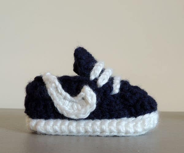 Baby Sneakers - Easy Crochet Baby Bootie Patterns for Beginners