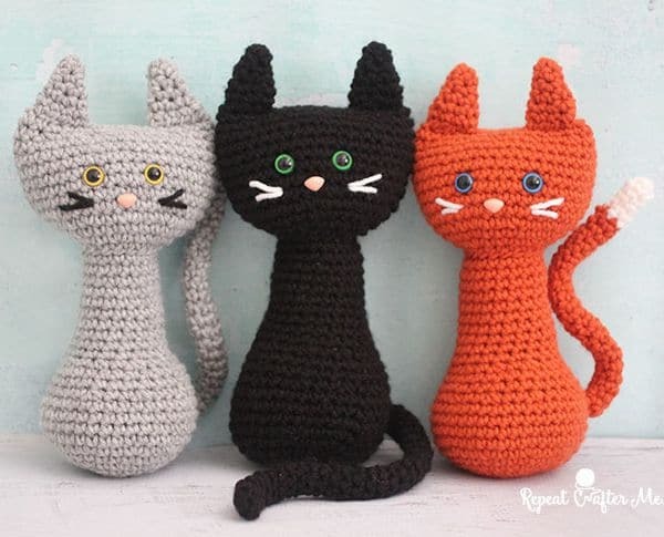 Sitting Cats - Easy Crochet Cat Patterns for Beginners